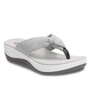Clarks Cloudsteppers Flip Flops Size 9 Arla Glison